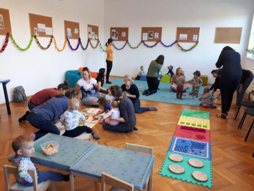 ösztönanyu montessori szülőknek, baba-mama foglalkozások 4