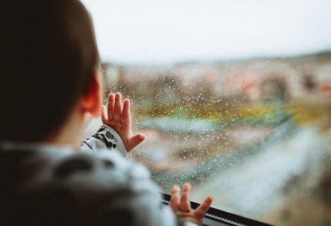 5+1 ok, amiért érdemes kiszaladnunk az esőbe gyermekünkkel